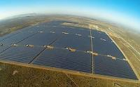 The Kalkbult solar PV power plant in the Northern Cape: 312 000 solar panels mounted on 156 kilometres of substructure (Photo: Scatec Solar)