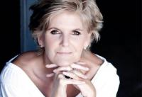 PJ Powers will be in Wilderness at Flava Cafe, George Road, on Wednesday 3 September at 18:00 for her book launch.