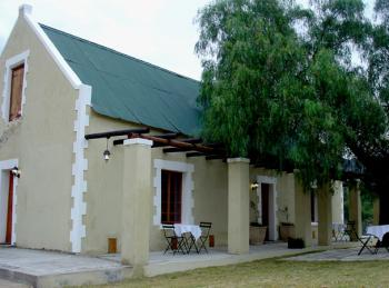 The Thorntree Country House: Oudtshoorn Accommodation Kelin Karoo