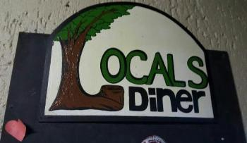 Locals Diner: Locals Pub & Diner Wilderness
