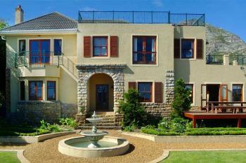 Lavender Manor Guest Lodge: Lavender Manor Guest Lodge