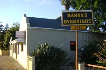 Hanna's Overnight Stay: Hanna's Overnight Stay