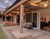 Camphor Tree Cottage: Garden Route Hoekwil Accommodation