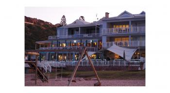 Point Beach House: Beach front accommodation Mossel Bay Garden Route