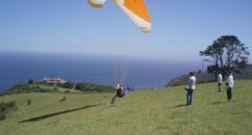 Paraglider at Wilderness (Photo:Amanda van der Merwe)