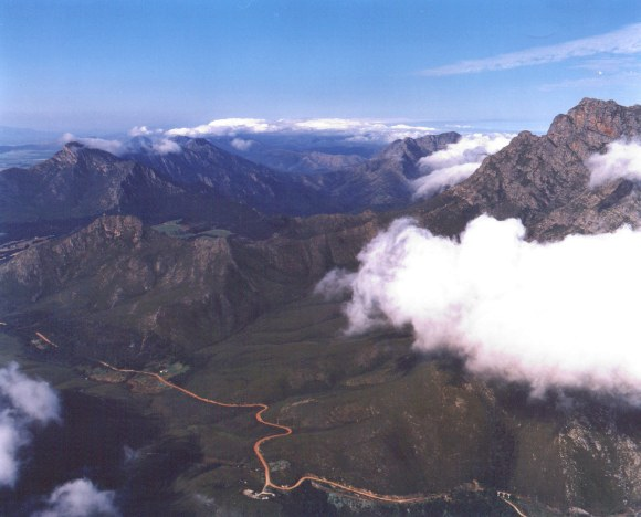 The Majestic Outeniqua Pass Garden Route South Africa (Photo Kelvin Saunders)